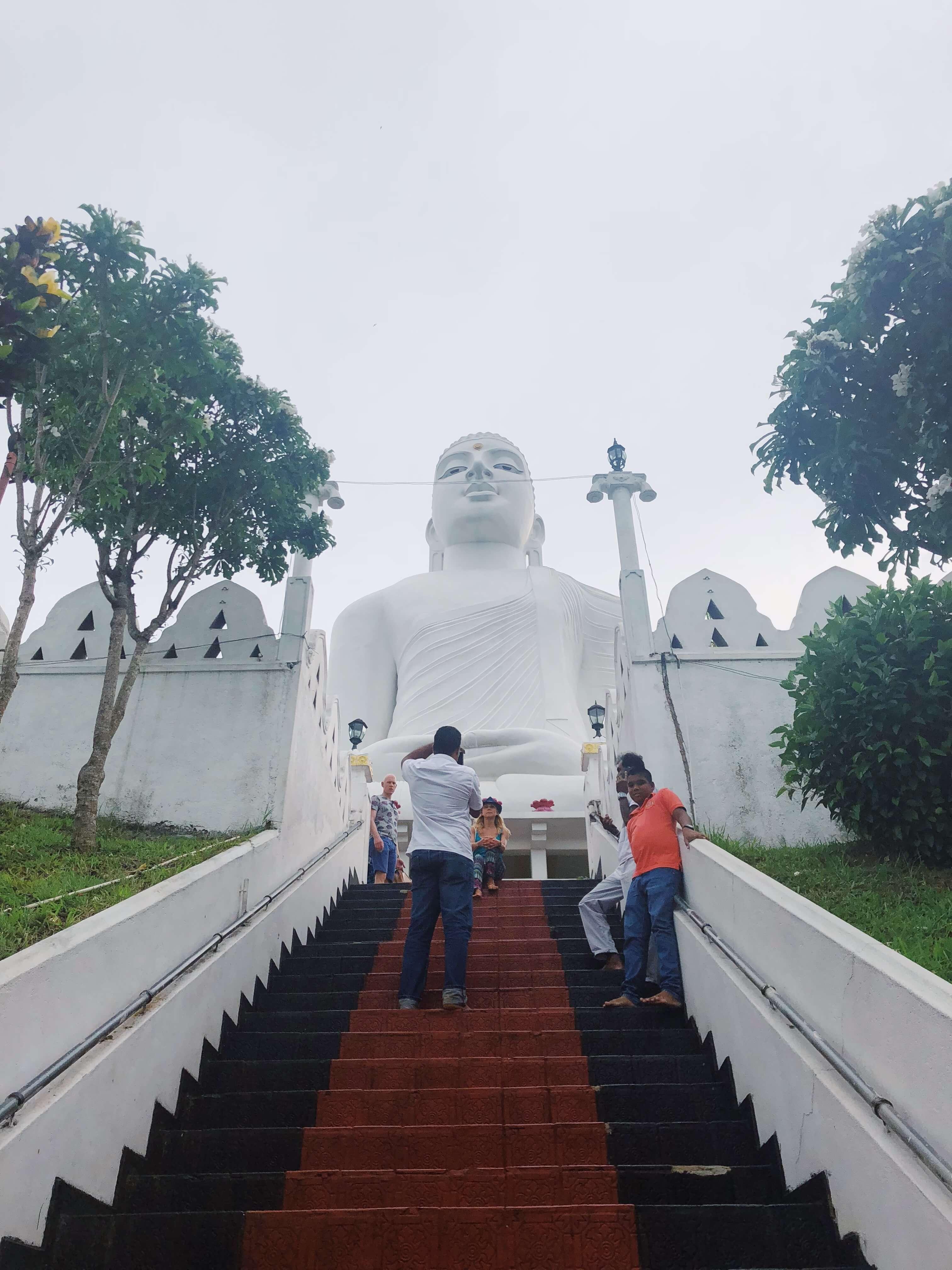 Sri Maha Bodhi Viharaya Buddha in Kandy, Sri Lanka - Village of Bahirawakanda